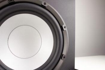 250mm Lautsprecher im Subwoofer